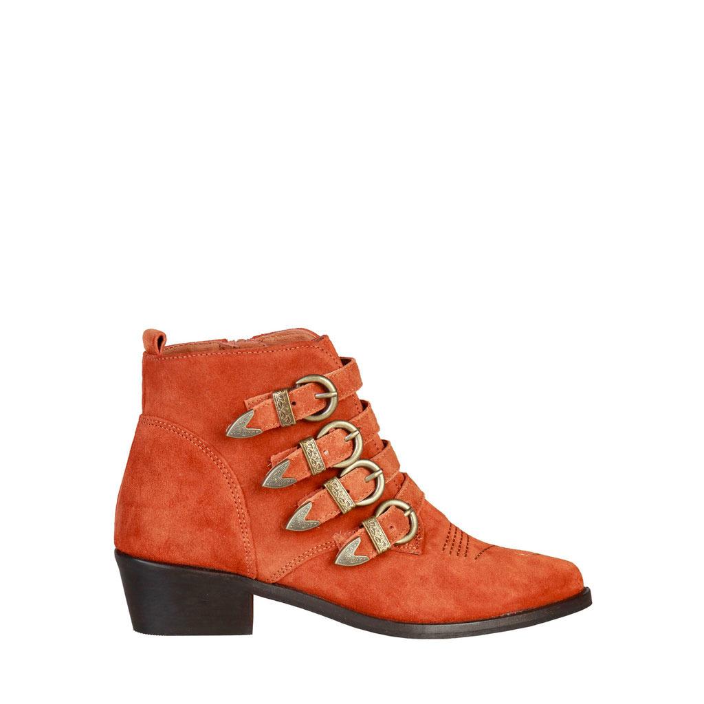 a7d3850c0d Vysoké topánky po členky Pierre Cardin - 4114101